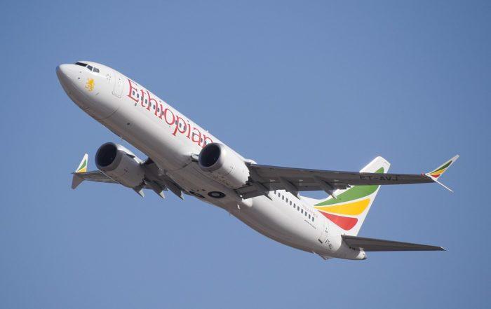 Ethiopian_Airlines_ET-AVJ_takeoff_from_TLV